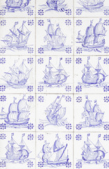 Boats for tiles