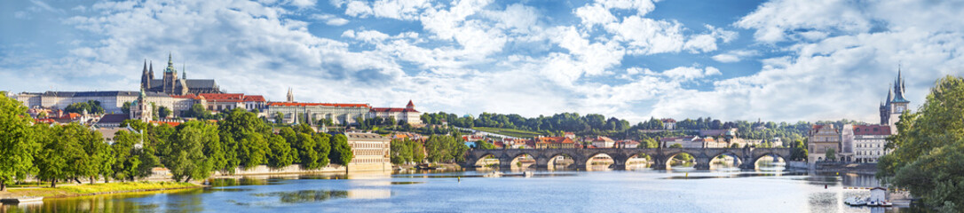 Spoed Fotobehang Praag Panoramic view of Prague, Czech Republic.