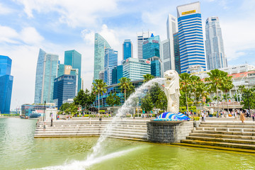 Photo sur Toile Singapoure SINGAPORE - JUNE 22, 2014: View of Singapore Merlion at Marina B