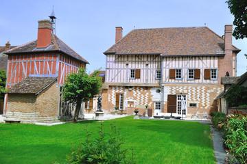 Pavillon des Luxembourg à Piney, vue côté parc intérieur