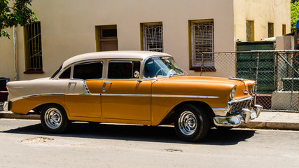 old taxi in Cuba
