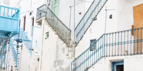 Fototapete - Treppen: typisch griechischer Baustil auf den Kykladen