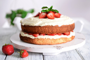 Delicious biscuit cake with strawberries