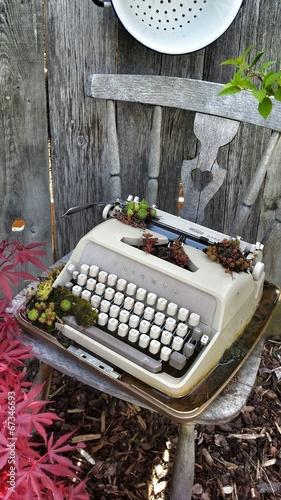 Vintage Schreibmaschine Buch Computer Deko Dekoration Garten Stock