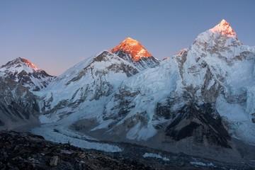 Fototapete - Khumbutse, Mt. Everest and Nuptse at Sunset