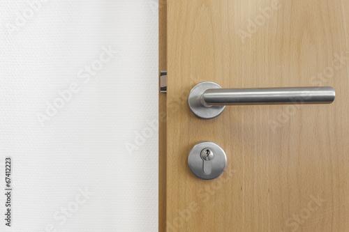 t rschloss zimmert r holz photo libre de droits sur la banque d 39 images image. Black Bedroom Furniture Sets. Home Design Ideas