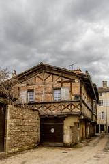 Maison en colombage et encorbellement à bourg en bresse