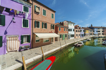 Fototapete - Canal in Burano island, Venice, Italy.