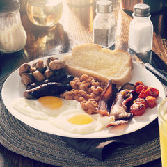 full english breakfast with instagram filter with all in focus
