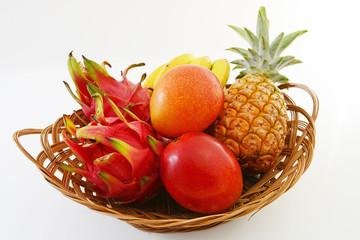 新鮮なトロピカルフルーツ