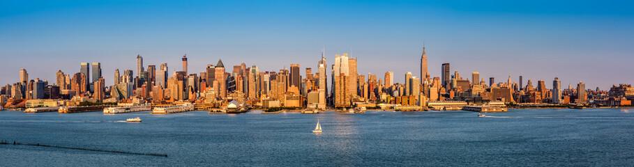 Fototapete - New York City Panorama before sunset
