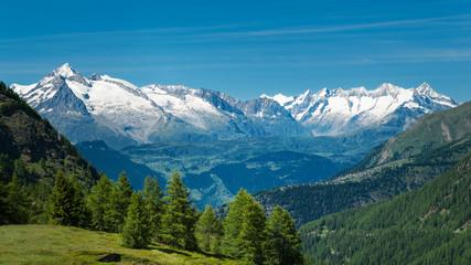 European Alps. Panorama with high mountains Fototapete