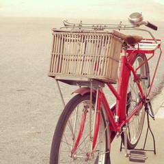 Foto op Plexiglas Fiets red bike old retro vintage style