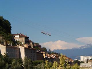 Fototapeta Kolejka na Bastille - Grenoble, Francja