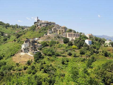 Le village de Castellare-Di-Casinca (Haute-Corse)
