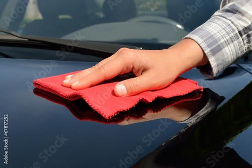 car care polishing a black car stockfotos und. Black Bedroom Furniture Sets. Home Design Ideas