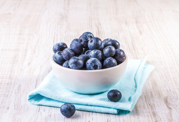 Blueberries in an white bowl
