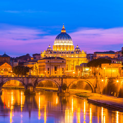 Fond de hotte en verre imprimé Rome View at St. Peter's cathedral in Rome, Italy