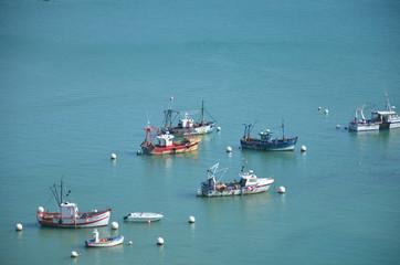 Bateaux de pêche dans le port