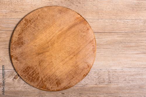 Tisch Aus Holz Skulpturalem Look