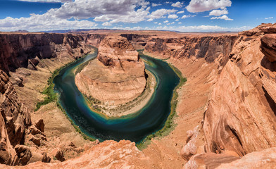 Panoramic view of Horseshoe Bend at Utah