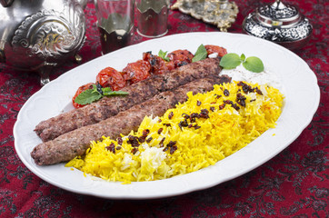 Kebab Kubideh mit Safran Reis