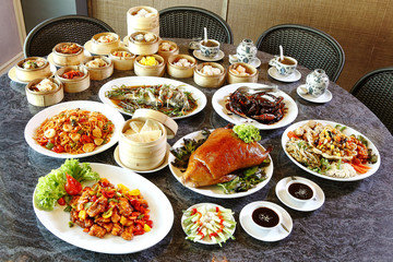 many chinese food on table in lunch time Fototapete