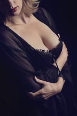 femme blonde en lingerie sexy