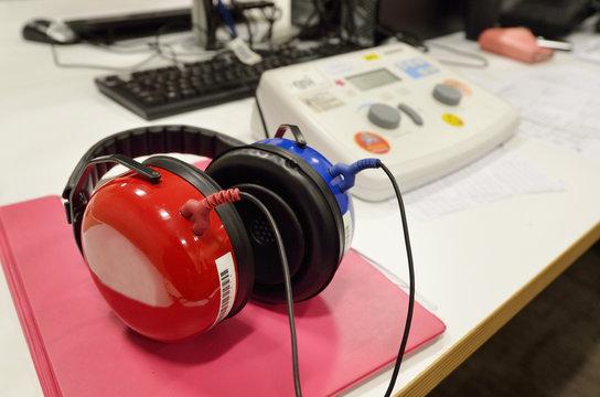 Hearing screening and check equipment