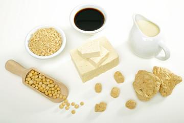 soia composizione con tofu chicchi e latte