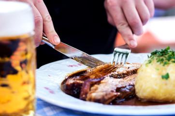 bayrisches essen mit bier