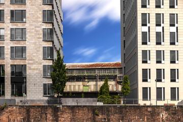 altes und neues Gebäude