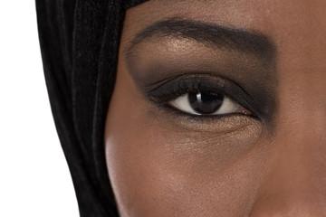Auge einer muslimischen schwarz afrikanischen Frau