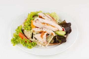 Salat mit Putenstreifen