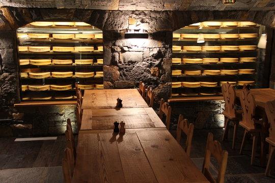 Cave-restaurant