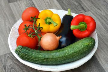 Recess Fitting Grocery Verse groenten op een hoeten bord