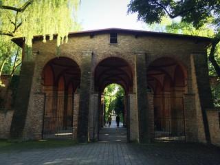 Tuinposter Rudnes Verbindungshalle Alter Südfriedhof München