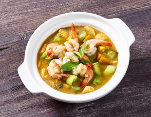 Thai spicy mixed vegetable soup with prawn