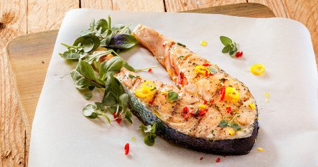 Grilled salmon fillet with spices and herbs