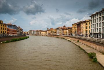 Veduta dei Lungarno Pacinotti e Gambacorti di Pisa, Italia