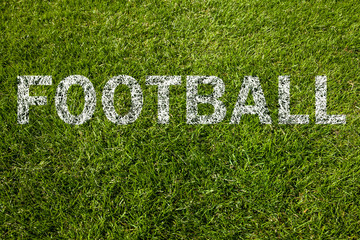 football (englisch) auf rasen geschrieben