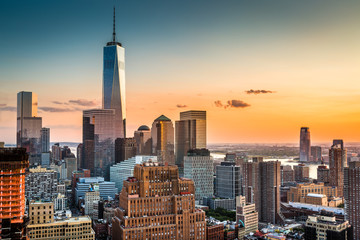 Fototapete - Lower Manhattan skyline at sunset
