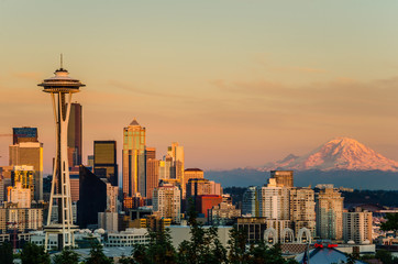 Sunset over Seattle and Mount Rainier Wall mural