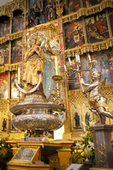 Madrid, Golden altar in Santa Maria la Real de La Almudena cathe