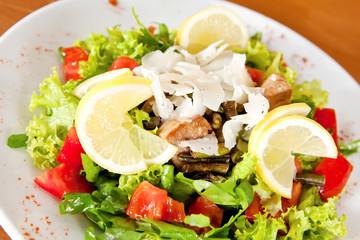 Mix salad with tuna
