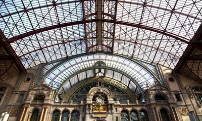 Photo sur Toile Gares View at famous train station of Antwerpen, Belgium