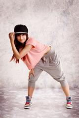 junge Frau tanzt Hip Hop
