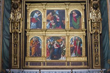 Novara (Piedmont, Italy): interior of San Gaudenzio church