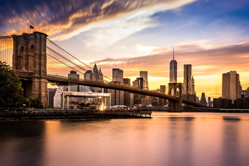 Wall Mural - Brooklyn Bridge at sunset