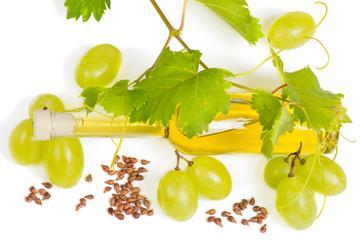 grape seed oil and fresh fruits Fototapete